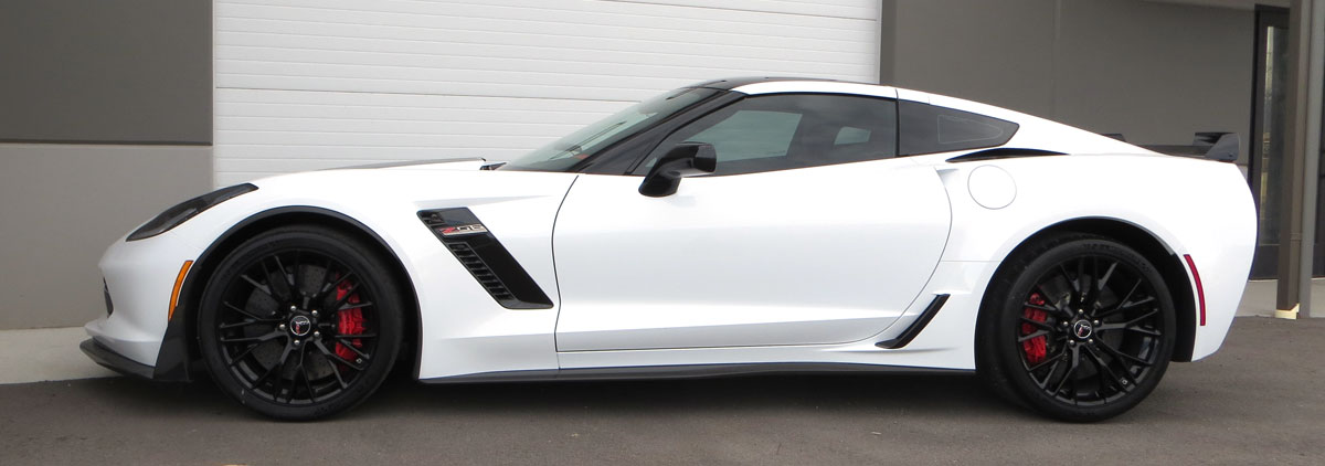 2015-corvette-c7-z06-exterior-side-2